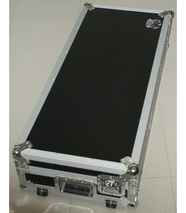 4x LED Bar Pixel Control 12x 8W beamZ LCB145 in Flightcase
